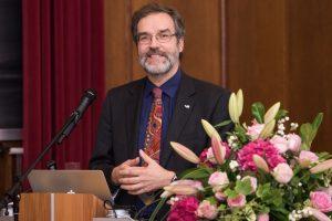 Prof. Dr. Stefan Treue hielt die Festrede.