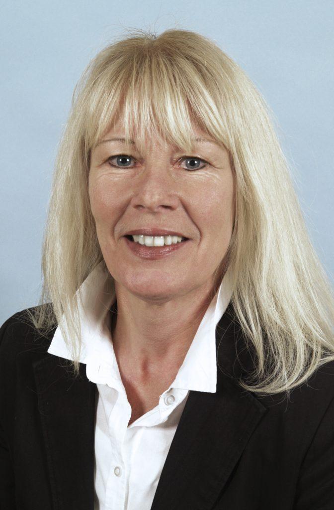 Portraitfoto von Prof. Annette Schürmann. Die Diabetesforscherin am Deutschen Institut für Ernährungsforschung (DIfE) erforscht an Mäusen die Fettlebererkrankung.