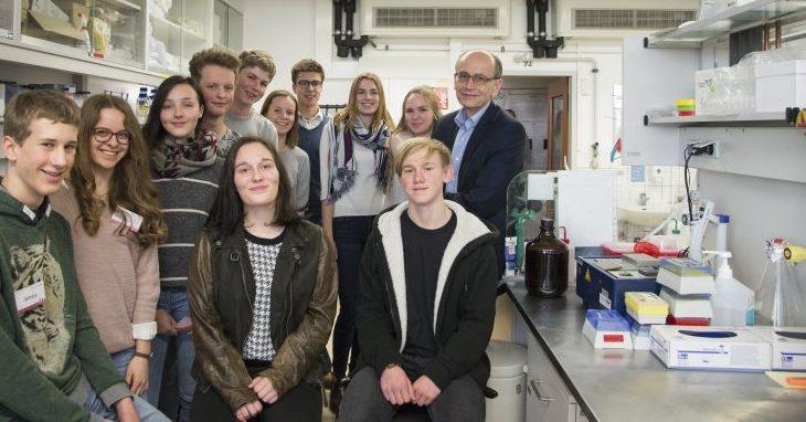 Nobelpreisträger Südhof weckt bei Schülern Lust auf Naturwissenschaften
