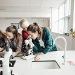 Videowettbewerb: Schüler treffen Nobelpreisträgerin